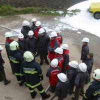 Löschübung mit Feuerwehr-Jugend