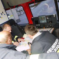 Im KDO Tarsdorf werden die anfahrenden Feuerwehren koordiniert