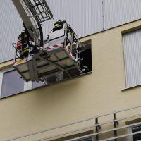 Rettung eines Atemschutztrupps über die Leiter