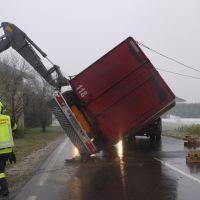 LKW Unfall nach Eisregen