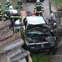 Übung Verkehrsunfall mit eingeklemmter Person