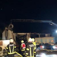 Brand einer Garage in Wolfing